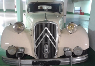 Citroën traction 15.6 1951 ivoire