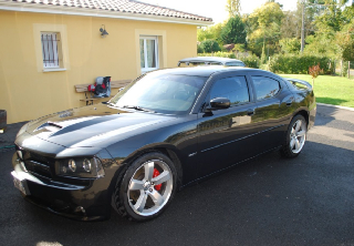 Dodge CHARGER SRT8 2006 noire