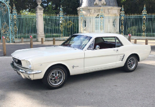 Ford Mustang 1966 blanc