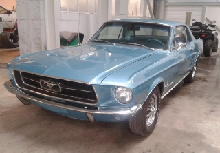 Ford Mustang 1967 bleue