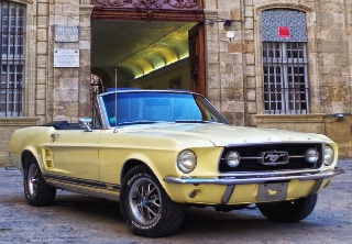 Ford Mustang 1967 Jaune paille