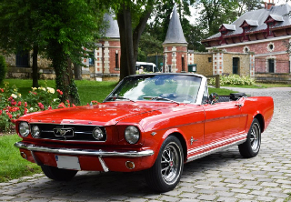 Ford MUSTANG GT 1965 rouge