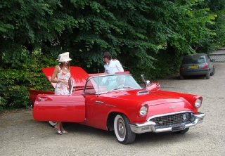 Ford Thunderbird 1957 Rouge