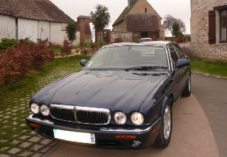 Jaguar XJ8 SOVEREIGN 2000 Bleue